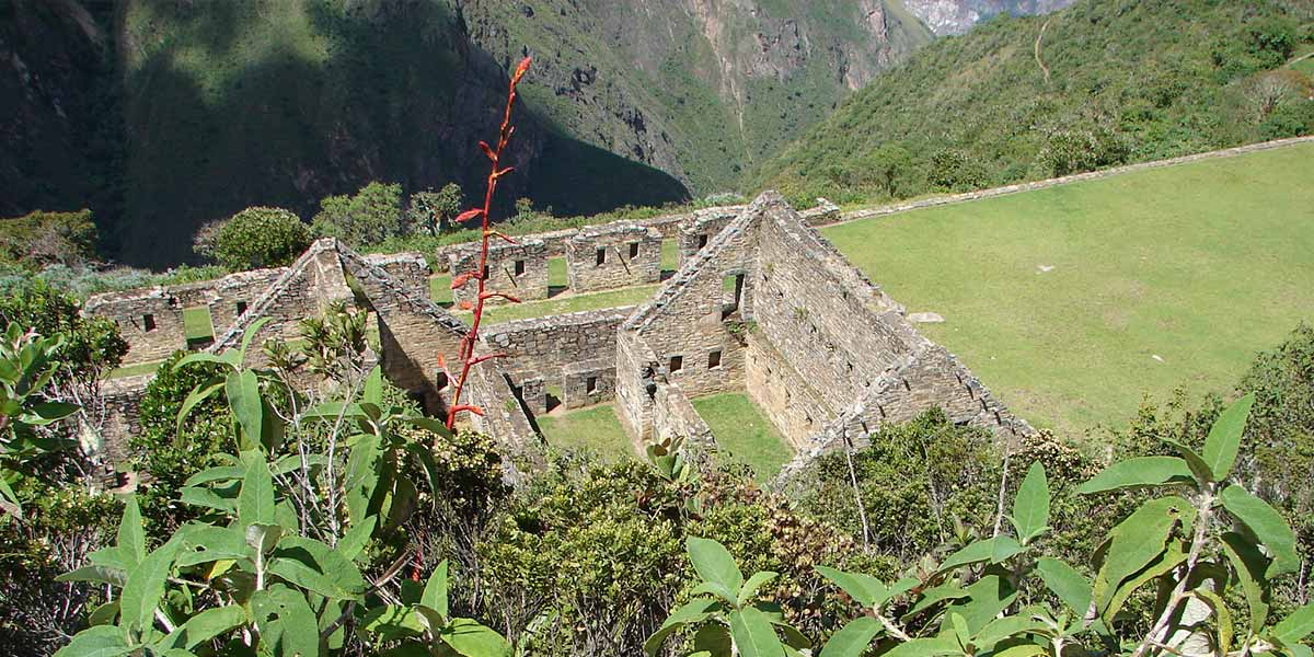 Choquequirao Trek to Machu Picchu (Visit the Cradle of Gold)